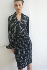 EMRECCO  - Black  - Size 12  - Skirt  - Wool - Knee Length - Pencil -Work -GLAM shop - Vintage - 002GSV Image