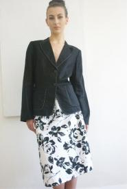 Marks and Spencer -White - Skirt- Size 16 - Black Flower Pattern - GLAM shop Vintage Black and White Collection 002GSV  Image