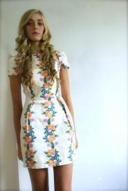 Dress Size 8 - Cream - Orange  Fruit -Retro - Style  - GLAM shop - Vintage - Dress Collection  -   005GSV Image