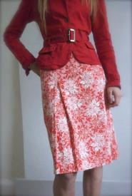 Dickens and Jones - label - Size   14  - Red and white skirt - Floral design - Knee length V - GLAM shop Vintage - Work Collection  - 010GS Image