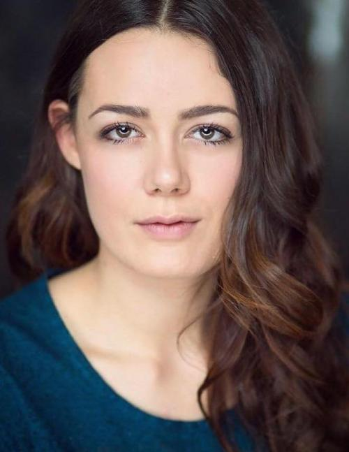 Acting Agency London - Female Actor Image