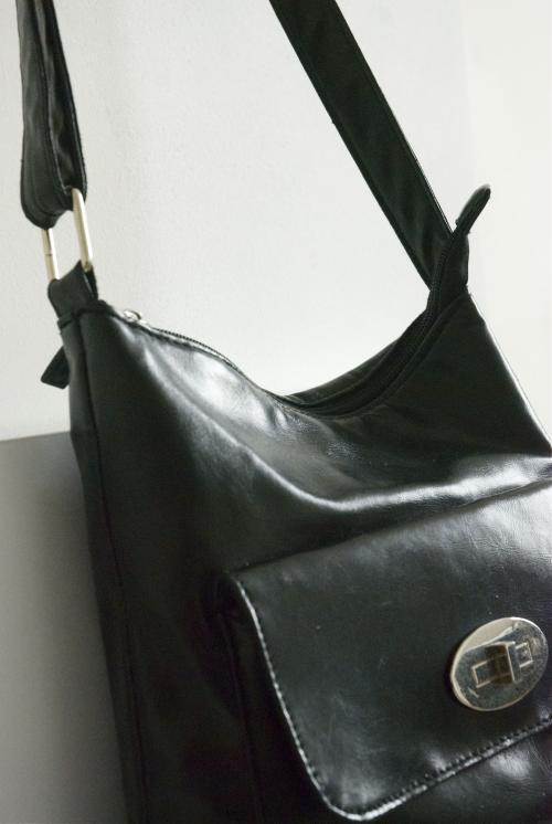 BAG - PURSE - CASE  Image